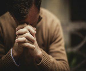 pastor-praying-bp